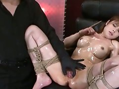 Hot slutty asian babe loves playing her pussy