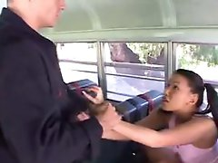 Hottie caught misbehavin in school bus