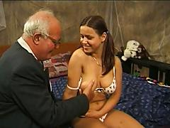 Young vixen loves fucking wrinkled cock